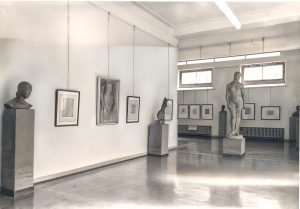 Das Foto zeigt die Lehmbruck-Sammlung im Städtischen Kunstmuseum in den Jahren 1934-1958.
